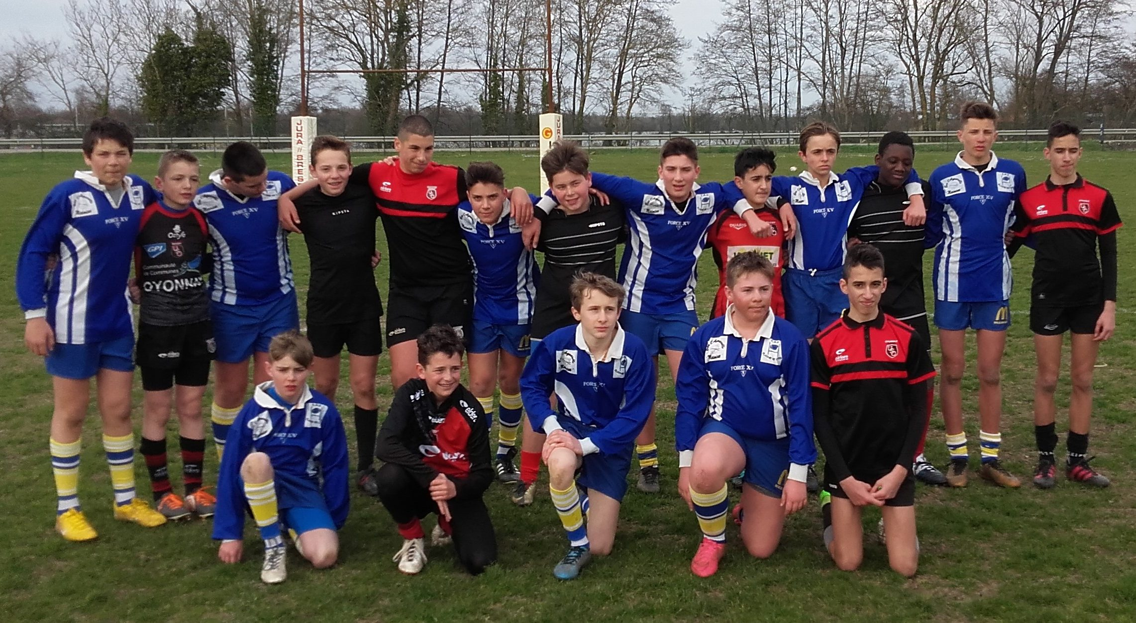 Les équipes minimes du collège de Leyment et d'Oyonnax